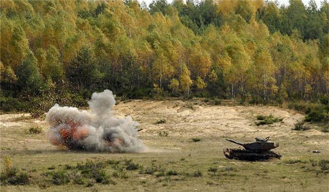 """My dung """"hang rao Javelin"""" quanh Nga: T-72, T-90 nguy to!-Hinh-12"""