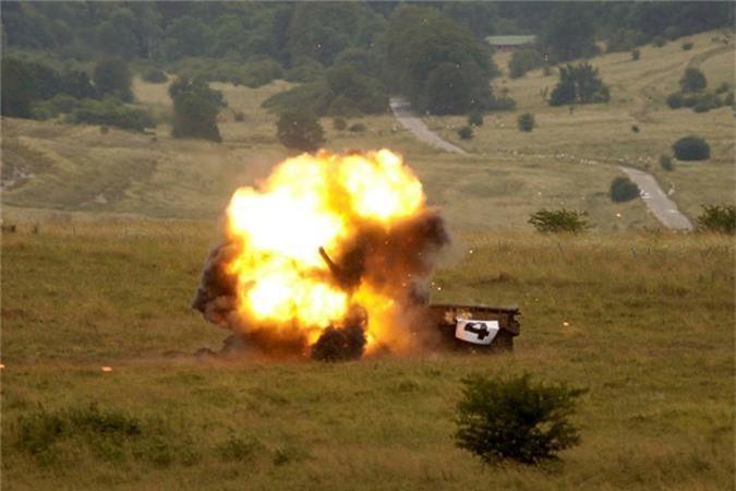 """My dung """"hang rao Javelin"""" quanh Nga: T-72, T-90 nguy to!-Hinh-4"""