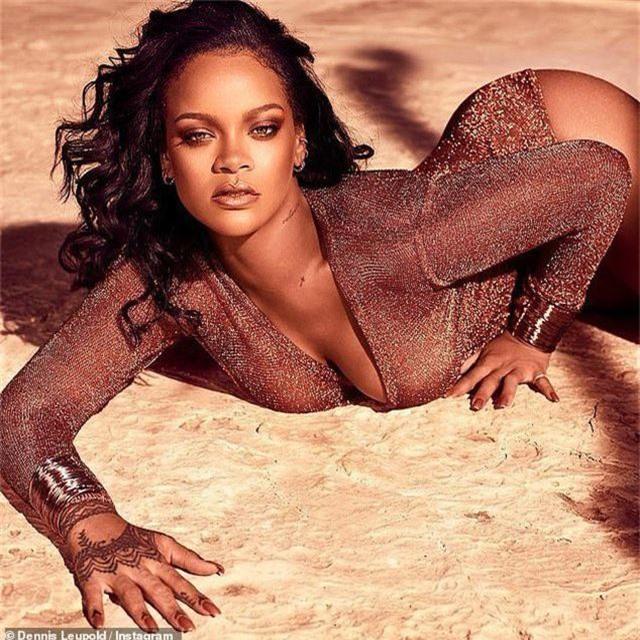 Rihanna tái xuất quyến rũ - 2