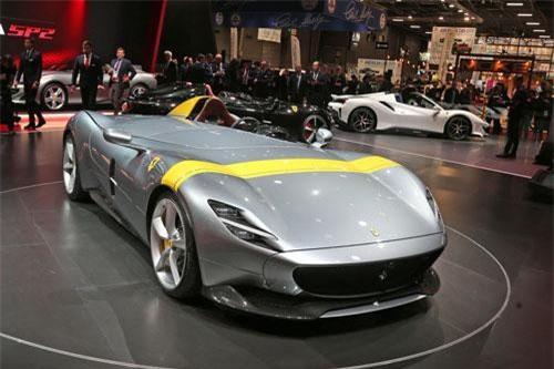 CLIP: Chiêm ngưỡng vẻ đẹp siêu xe độc đáo bậc nhất của Ferrari