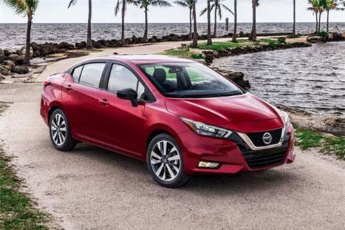 CLIP: Cận cảnh sedan giá rẻ vừa được Nissan ra mắt, 'đấu' với Toyota Vios