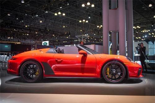 Khám phá siêu xe thể thao mạnh 502 mã lực của Porsche