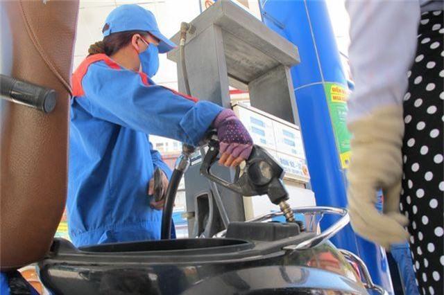Chuyên gia: Lạm phát chịu sức ép lớn khi xăng dầu và điện tăng giá liên tiếp - 1