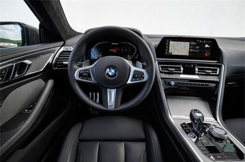 2. BMW M850i.