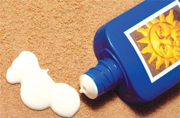 Kem chống nắng là vật bất ly thân ngày nắng nóng nhưng dùng thế nào mới đúng? - Ảnh 1.