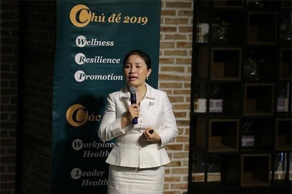Bà Lê Thị Tố Hải – Chủ tịch Tập đoàn Golden Hearts (Chủ tịch Chương trình VHA) chia sẻ tại buổi họp báo (Ảnh: PV)