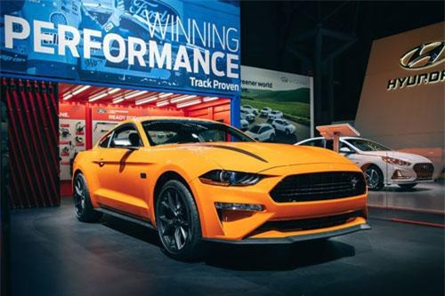 9. Ford Mustang EcoBoost Performance Pack 2020.