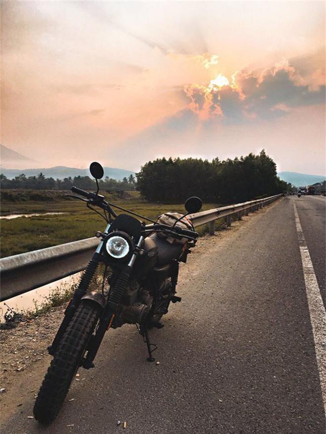9x cùng câu chuyện độc hành xuyên Việt cùng chiếc xe máy: Đi thôi, để thấy Việt Nam mình thực sự xinh đẹp! - Ảnh 3.
