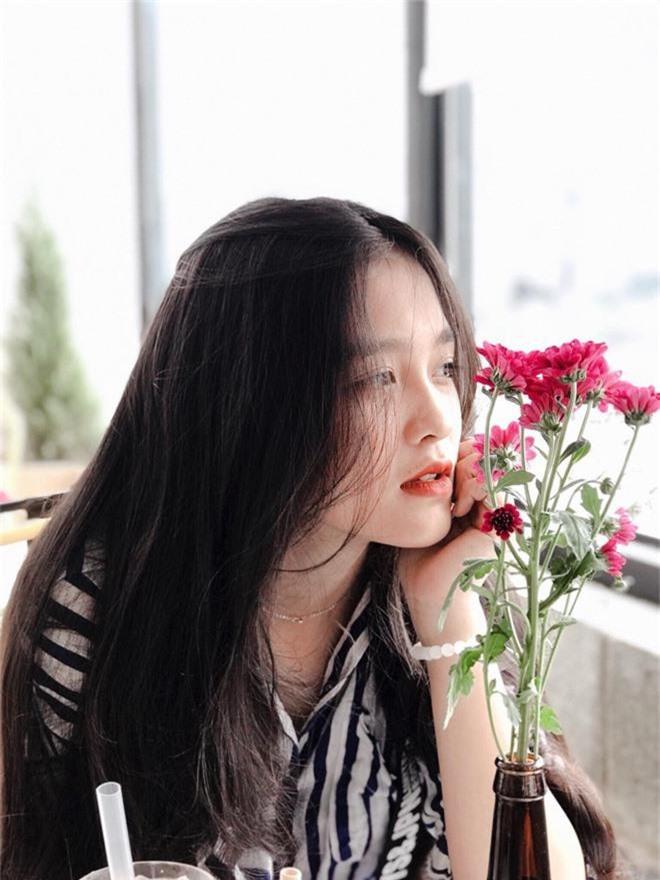 Nữ sinh Đồng Nai nổi như cồn sau một lần bị đăng ảnh trên Facebook, được khen giống Han Sara nhưng dễ thương hơn - Ảnh 3.