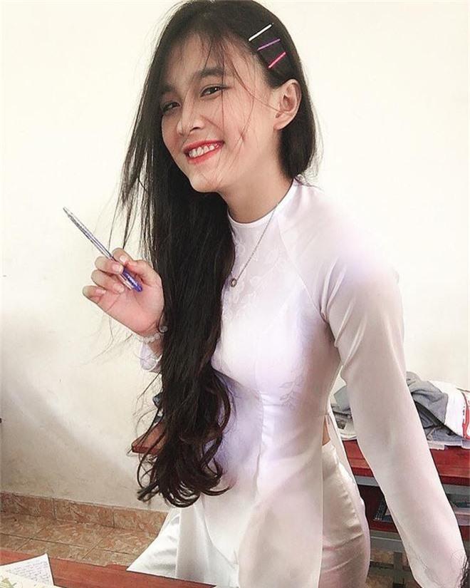 Nữ sinh Đồng Nai nổi như cồn sau một lần bị đăng ảnh trên Facebook, được khen giống Han Sara nhưng dễ thương hơn - Ảnh 4.