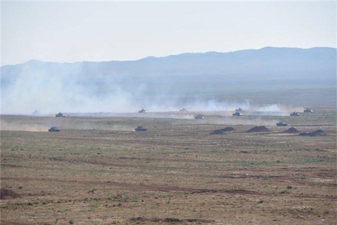 "Xe tang T-55 cua Algeria boc giap ""khung"", Viet Nam co the tham khao-Hinh-2"