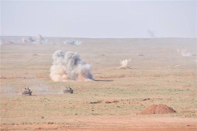 "Xe tang T-55 cua Algeria boc giap ""khung"", Viet Nam co the tham khao-Hinh-4"