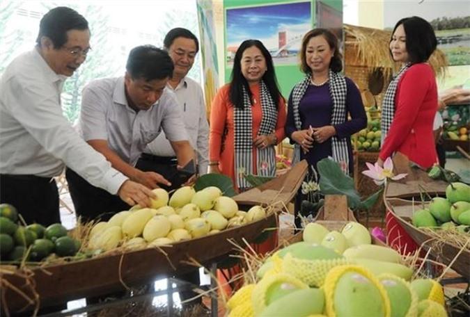 Kim ngạch xuất khẩu rau quả Việt Nam sang thị trường Trung Quốc lần đầu tiên sụt giảm sau nhiều năm liên tục tăng trưởng.