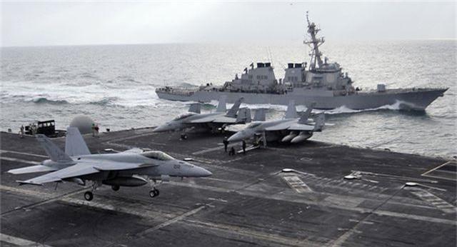 Mỹ đưa tàu sân bay, máy bay ném bom đến Trung Đông - 1