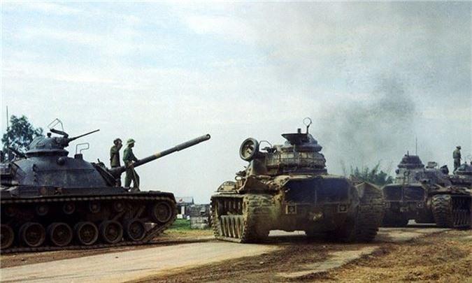Đại đội xe tăng M48 thuộc biên chế Tiểu đoàn vệ binh 180 bảo vệ Sở chỉ huy Mặt trận 479 tại Campuchia.