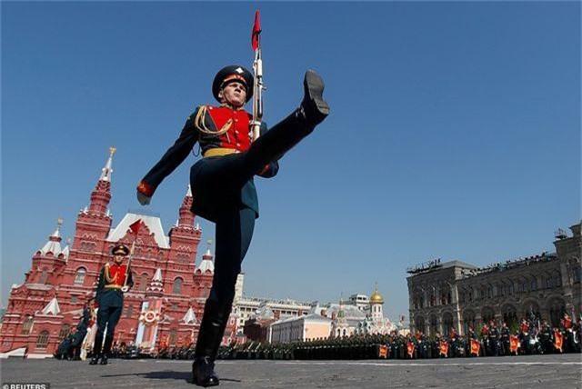 Dàn vũ khí uy lực của Nga luyện tập trước lễ duyệt binh Ngày Chiến thắng - 12