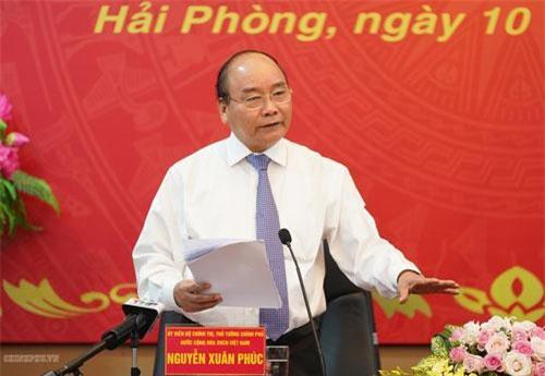 Thủ tướng phát biểu tạicuộc làm việc với Ban thường vụ Thành ủy Hải Phòng. Ảnh: VGP/Quang Hiếu