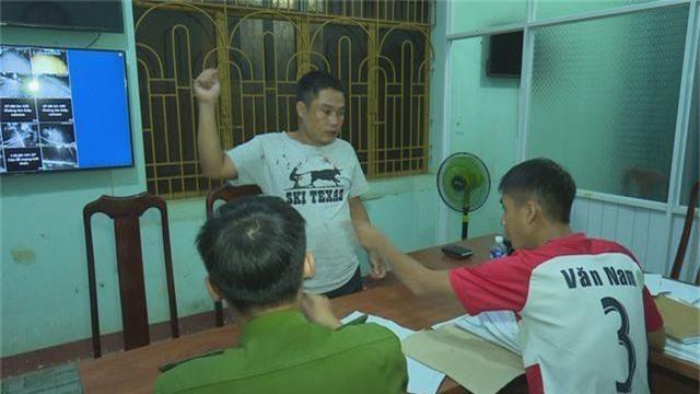Khởi tố, bắt giam cán bộ huyện nghi đâm chết đồng nghiệp tại quán karaoke - 1