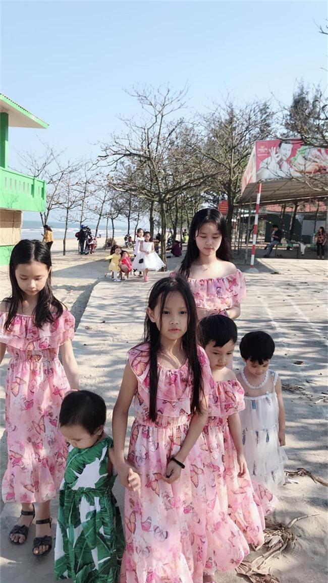 Ghen tị với bà mẹ 34 tuổi có 6 con gái vẫn trẻ xinh như gái son, đi xe 5 tỷ, kiếm chơi chơi hơn trăm triệu/tháng - Ảnh 13.