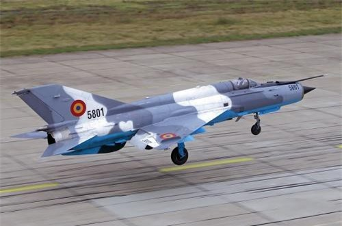 Chương trình nâng cấp MiG-21 LanceR phối hợp với Israel thực hiện thành 3 phiên bản chính gồm: MiG-21 LanceR A; MiG-21 LanceR B và MiG-21 LanceR C. Trong đó, bản LanceR C có thể được dùng trong cuộc tập trận sắp tới với F-16 vì nó vốn được tối ưu hóa chiếm ưu thế trên không, trong khi bản A dùng cho cường kích, bản B dùng cho huấn luyện.