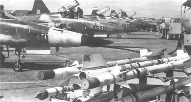 """My tai san xuat linh kien F-5: Co hoi co """"1-0-2"""" cho VN-Hinh-8"""