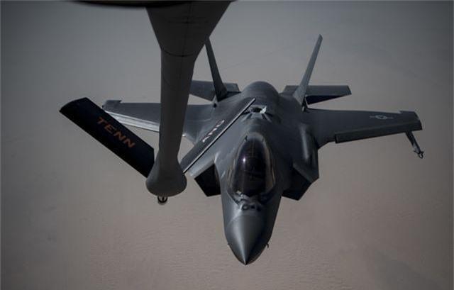 Vùng Vịnh căng thẳng, pháo đài bay B-52 của Mỹ áp sát Iran - 4