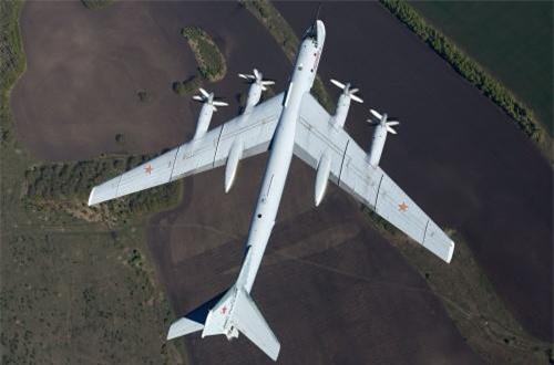 Thật vậy, kể cả khi thế giới giờ đây chỉ ưa chuộng máy bay động cơ phản lực thì Tu-95 vẫn được Không quân Nga tin tưởng tới tận hôm nay. Mà đó là còn chưa kể họ có ý định giữ Tu-95 tới tận năm 2040 mới cho chúng được về hưu.