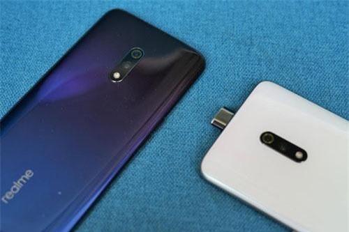 Smartphone chip Snapdragon 710, RAM 8 GB, giá hơn 6 triệu