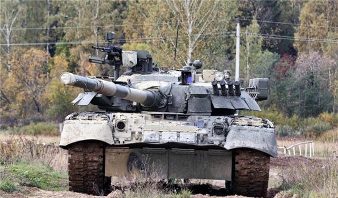 Hai quan Danh bo duoc trang bi T-80BVM, Luc quan Nga phat them-Hinh-10