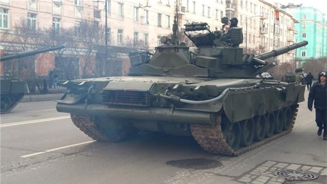 Hai quan Danh bo duoc trang bi T-80BVM, Luc quan Nga phat them-Hinh-8
