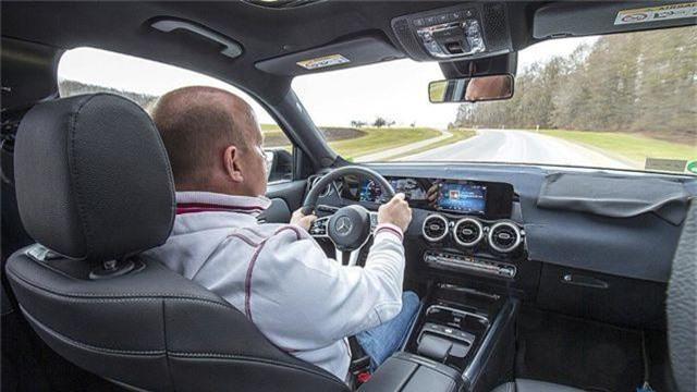 Mercedes-Benz chuẩn bị trình làng mẫu SUV 7 chỗ GLB - 7