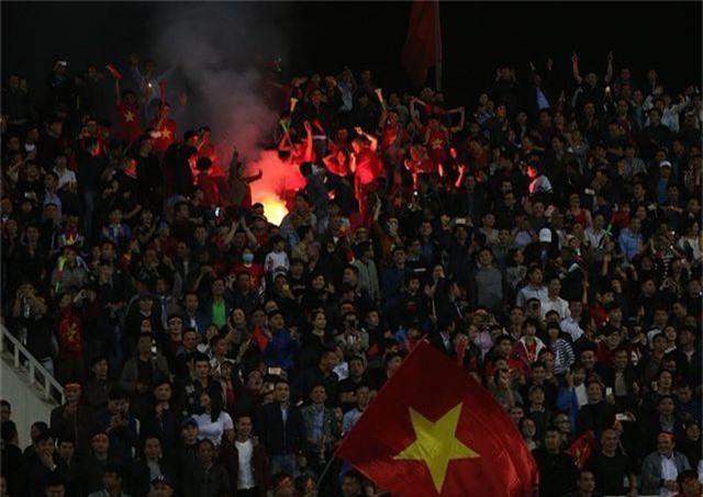 VFF bị phạt gần 40 nghìn USD vì pháo sáng ở vòng loại U23 châu Á - 1