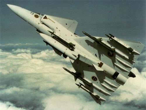 Tiêm kích đánh chặn JA 37 Viggen của Không quân Thụy Điển