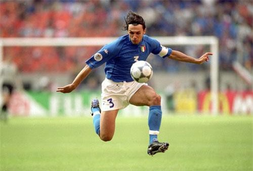 9. Paolo Maldini (Italia).