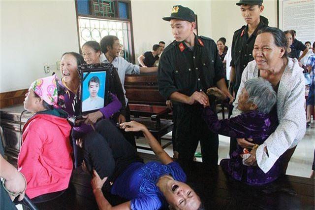 Tăng thêm 18 tháng tù đối với tài xế xe ben cố tình cán chết nam sinh - 5