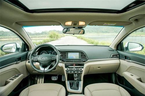 Nội thất của Hyundai Elantra 2019.