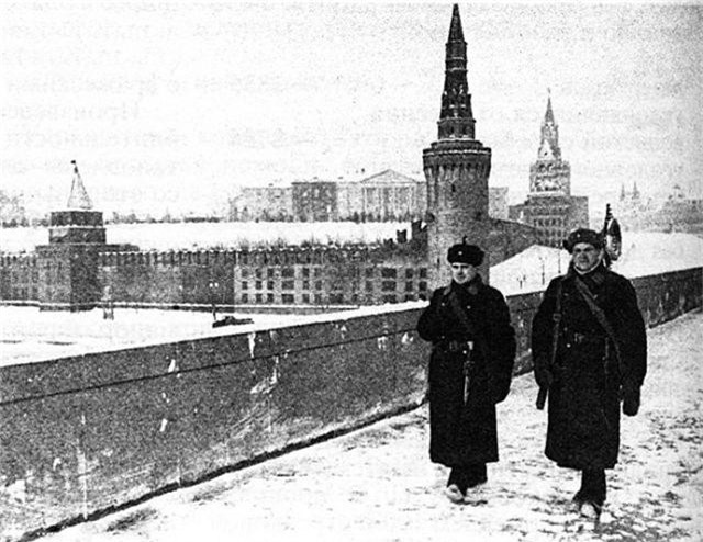 """Nga từng tàng hình Điện Kremlin trước """"mưa"""" hỏa lực của phát xít Đức thế nào? - 1"""
