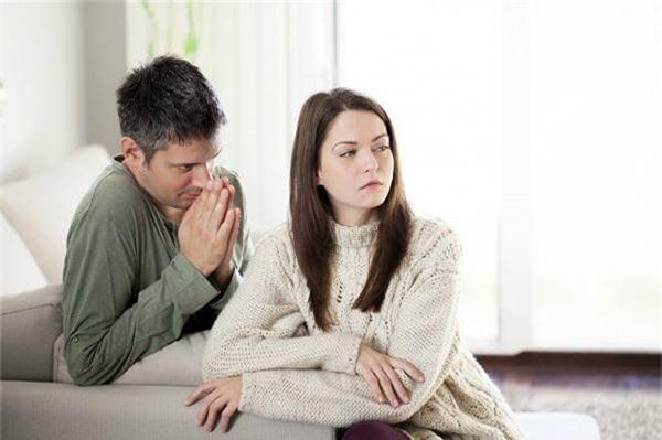 Ngày sinh nhật chồng, tôi ngơ ngác phát hiện một chi tiết kỳ lạ trong giữa chồng và sếp, vừa hỏi ra, anh đã thú nhận hết thảy khiến tôi sửng sốt - Ảnh 2.