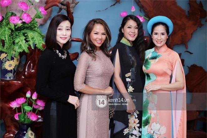 Phương Khánh để tóc mái bằng, khoe eo thon 54 cm cũng chưa chặt chém bằng mỹ nhân đeo nhẫn 5,5 tỷ đồng dự sự kiện - Ảnh 14.