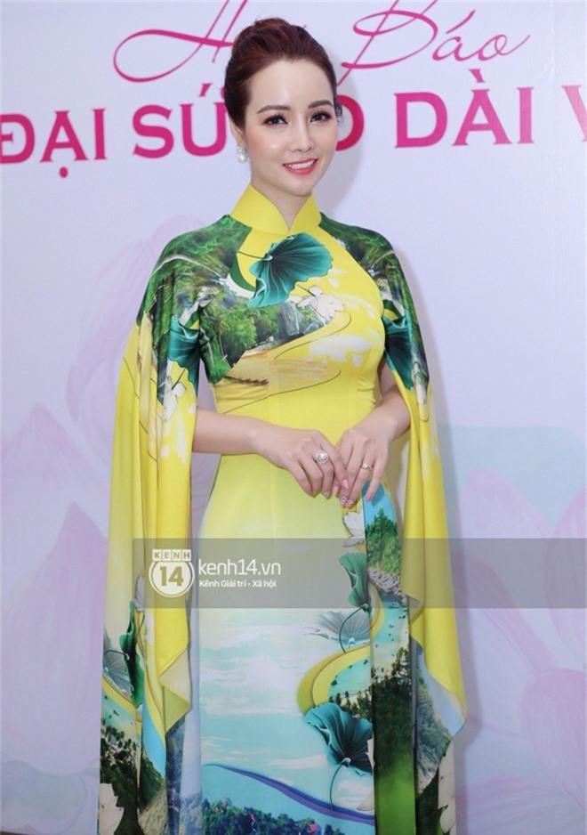 Phương Khánh để tóc mái bằng, khoe eo thon 54 cm cũng chưa chặt chém bằng mỹ nhân đeo nhẫn 5,5 tỷ đồng dự sự kiện - Ảnh 8.