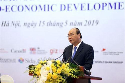 Thủ tướng Nguyễn Xuân Phúc phát biểu tại hội nghị. (Ảnh: Dân trí)