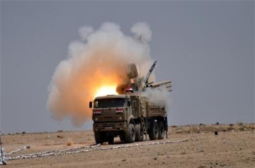Lý do dẫn tới quyết định gây sốc này được cho là Pantsir-S đã có màn trình diễn tồi và tệ hại ở Syria. Theo đó, đã có vài tổ hợp Pantsir-S đã bị máy bay Israel tiêu diệt tại trận.
