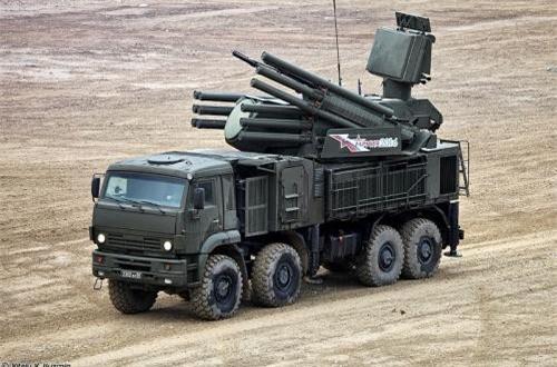 Pantsir-S1 từng được giới thiệu là hệ thống pháo – tên lửa phòng không tự hành cự ly trung bình hiện đại nhất của Nga. Nó được thiết kế để bảo vệ các cơ sở quân sự - công nghiệp trước các loại máy bay, đạn chính xác, tên lửa hành trình, UAV tấn công đường không ở thấp thấp, cự ly gần...