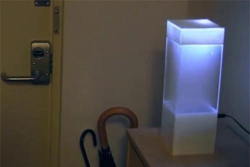 Chiếc hộp đơn giản này lại có khả năng tạo thời tiết giống hệt ngoài trời.