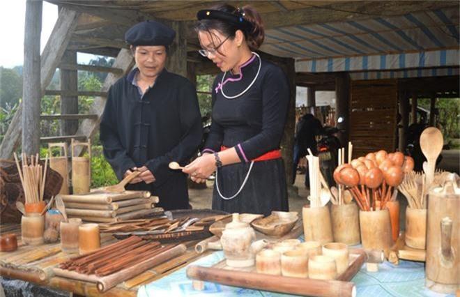 http://media.doanhnghiepvn.vn/Images/Uploaded/Share/2019/05/17/Tuyen-Quang-Gai-xu-Tuyen-loi-nguoc-dong-voi-tre-nua-theo-quan-niem-3-sinh_1.jpg