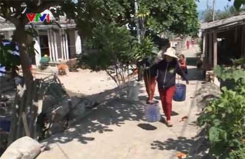 """Quảng Ngãi: Hàng trăm hộ dân """"khốn đốn"""" vì thiếu nước sinh hoạt"""