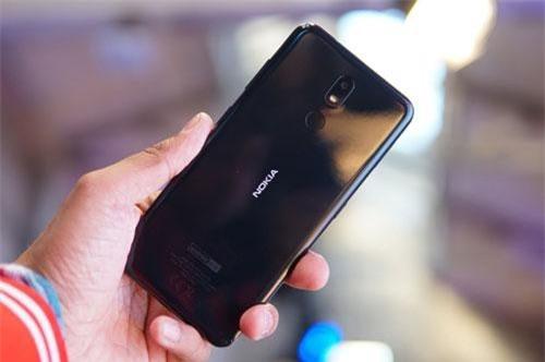 Trên tay Nokia 3.2 giá từ 2,99 triệu đồng tại Việt Nam