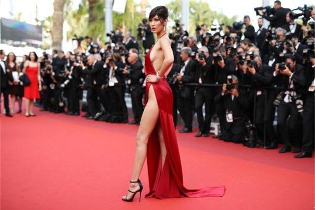 Khi người đẹp bị chê vì mặc hở hang tại LHP Cannes - 8