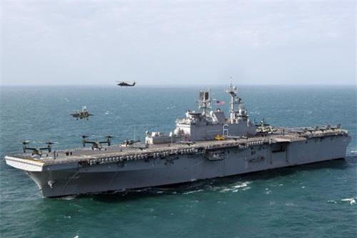 LHA-6 America có thể đảm nhiệm vai trò của một tàu sân bay hạng trung