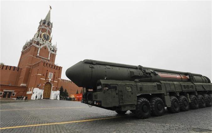 Loat vu khi Nga mang ra duyet binh khien ca chau Au run so-Hinh-3